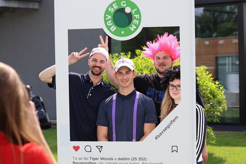 Den Bav se golfem